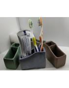 Органайзеры для зубных щеток ручной работы